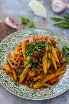 fasolka z miesem mielonym Summer Recipes, Carrots, Spaghetti, Food And Drink, Dinner, Vegetables, Summer Food, Polish Cuisine, Recipes