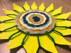 Art with Ms. Gram: 3rd grade - Weaving flowers Good Springtime project