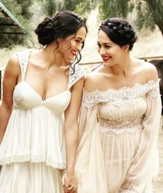 these photos are giving me liiife 😭🤩 - - Bella Sisters, Nikki And Brie Bella, Bella Beauty, Wwe Couples, Wwe Girls, Beauty Magic, Daily Dress, Bridesmaid Dresses, Wedding Dresses