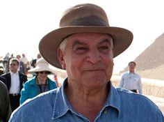 Hawass  ist zurück: Ehemaliger Antikenminister leitet Myonen-Scans in der  Großen Pyramide . . . .http://www.grenzwissenschaft-aktuell.de/hawass-ist-zurueck20160603/