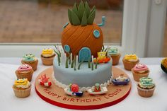 This would be perfect for a SpongeBob-themed birthday party!  It looks so delicious, and it's adorable. <3