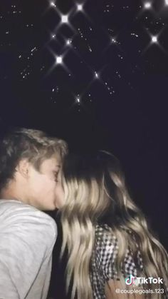 Cute Teen Couples, Cute Couples Kissing, Teenage Couples, Cute Couples Photos, Cute Couples Goals, Couples In Love, Couple Kissing Video, Cute Teen Pics, Perfect Couple Pictures