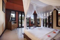 OopsnewsHotels - Amertha Bali Villas. Situated in Pemuteran, Amertha Bali Villas provides 3-star accommodation, as well as a private beach. It is ideal for those wishing to be surrounded by nature, with West Bali National Park just steps away. There are a range of amenities on offer to those staying at the property, including massage services, a coffee bar and a kids pool. Airport transfers and a laundry service are available on request.