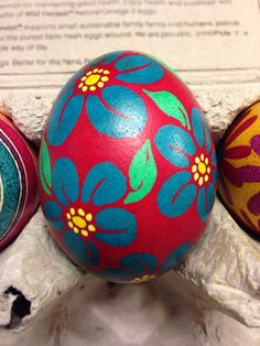 Blue flowers on dark pink background, unique Easter egg, pysanky Rock Flowers, Blue Flowers, Egg Designs, Flower Designs, Easter Crafts, Holiday Crafts, Easter Egg Coloring Pages, Happy Easter Wishes, Incredible Eggs