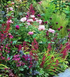 Garden Design Vegetable - New ideas Garden Cottage, Garden Pots, Amazing Gardens, Beautiful Gardens, Sacred Garden, Peonies Garden, Beautiful Flowers Garden, Garden Borders, Colorful Garden