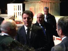 L'ingresso del Presidente del Consiglio Matteo Renzi all'Hangar Bicocca per la giornata Expo delle Idee #matteoRenzi #expo2015 #raiexpo #expoidee