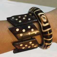 Indonesian brown wooden bead bracelet MAKEANOFFER Worn once , stretchy , domino design Jewelry Bracelets