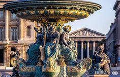 Linda vista de la Fuente de los Mares,en París, una notable escultura !!!! pido ayuda para saber el nombre del autor de la hermosa obra,me gustaría saberlo...