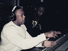 Dr. Dre, just might be the best rap music producer in the game.christian kabengele ft Dr next hip hop life