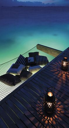 Top 10 Most Zen Places That Will Relax Your Mind/ shangri la's villingili resort & spa maldives (Top View Vacation Spots) Oh The Places You'll Go, Places To Travel, Places To Visit, Bora Bora, Tahiti, Zen Place, Hotels, Paradise On Earth, Beach Cottages
