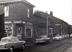 Bottom of Park Street and 'Hamers' Builders Salford, Local History, Christmas Desserts, Old Pictures, Vintage Photos, Past, Places To Visit, Childhood, Street View