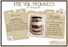 pot vol brownies zo maak je het! Brownies in a jar! Brownies In A Jar, Blondie Brownies, Brownie Cake, Jar Gifts, Food Gifts, No Bake Cookies, No Bake Cake, Chocolat Cake, Pots