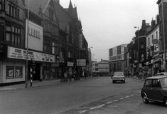 merrion street leeds old photos Old Pictures, Old Photos, Vintage Photos, Back In Time, Back In The Day, Leeds City, Cinema Theatre, West Yorkshire, Theatres