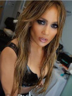 Jennifer Lopez Lady milion dólar men do you whant to bring me the usd Jennifer Lopez, Janet Jackson Videos, J Lopez, J Lo Fashion, Corte Y Color, Her Hair, Beauty Women, Hair Makeup, Hair Cuts