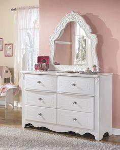 Exquisite Dresser & Mirror