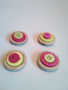 Fridge magnets made from buttons