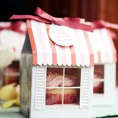 Patisserie Cupcake Box | 18 Ways to Package Your Cupcakes
