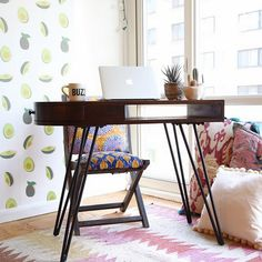 See more images from 32 tiny desks that prove anyone can work from home on domino.com