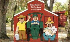 Green Meadows Farm Animal Farm and Petting Zoo. So I'm thinking that this is a yes no matter what anyone thinks. Imagine the pics and after-hayride-picking-the-hay-out-of-the-butt shots. Vintage Florida, Old Florida, Central Florida, Vintage Ski, Vintage Hawaii, Meadows Farms, Farm Plans, Farm Business, Pony Rides