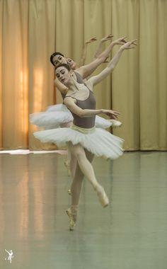Ballet Poses, Ballet Art, Ballet Dancers, Shall We Dance, Just Dance, Dance Photos, Dance Pictures, Vaganova Ballet Academy, Ballet Photography