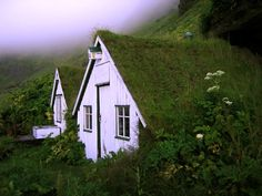 little Icelandic cottages with sod roofs ... in the Vic