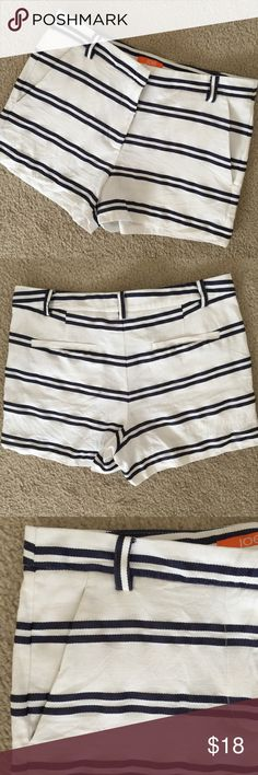 "Joe Fresh Striped Shorts Size 2 Cute little striped shorts from Joe Fresh! White with navy blue double stripes, slash pockets. Excellent condition used Shorts. Perfect for summer!                                                                   Inseam: 2.5"" Waist across: 14.5"" Rise: 10"" Joe Fresh Shorts"