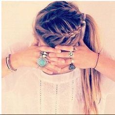 love it<3. Tried to do this to my hair once.... Fail!