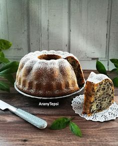 AranyTepsi: Joghurtos-csokidarás kuglóf My Recipes, Cooking Recipes, Ring Cake, Pound Cake, Diy Food, Scones, Muffin, Cheesecake, Food And Drink