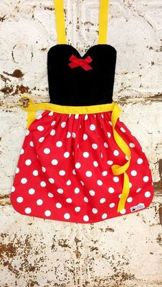 Items similar to MINNIE MOUSE Disney inspired RED Dot costume Apron. Fits Teen/ Adult Women sizes Dress up Disneyland outfit Birthday Party Photo Prop on Etsy Disfraz Minnie Mouse, Minnie Mouse Costume, Disney Junior, Disney Aprons, Disney Princess Aprons, Cinderella Disney, Frozen Princess, Princess Anna, Disney Pixar