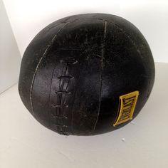 Big Vintage Black Leather Medicine Ball Everlast 11 Lbs Workout Exercise Fitness