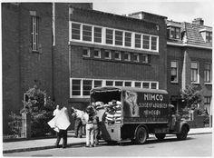 Nimco schoenenfabriek aan de Tooropstraat, nu Eurocenter. Foto uit de jaren '40 of '50