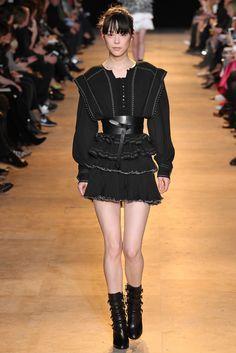 Isabel Marant Fall 2015 Ready-to-Wear Fashion Show - Mae Mei Lapres