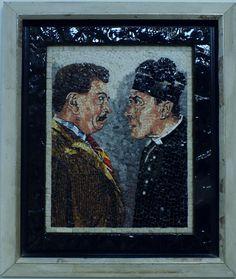 Titolo (Peppone e Don Camillo) Mosaici in marmi e smalti veneziani 28x36 +cornice   in  legno Anno 2014