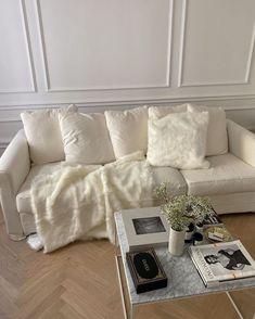 Dream Home Design, Home Interior Design, House Design, Room Ideas Bedroom, Bedroom Decor, Moodboard Interior, Aesthetic Room Decor, Apartment Interior, Parisian Apartment