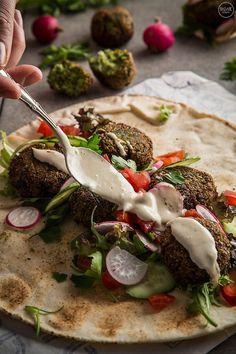 Φαλάφελ: Η αυθεντική συνταγή - madameginger.com Kitchen Recipes, Cooking Recipes, Healthy Cooking, Healthy Recipes, Legumes Recipe, Tasty Videos, Good Food, Yummy Food, Arabic Food