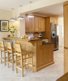 Letting the wood speak for itself. A timeless classic - shaker panels, Blue Pearl granite, with a fabulous La Cornue cooker. Kitchen Units, Kitchen Dining, Kitchen Cabinets, Dining Rooms, Blue Pearl Granite, Handmade Kitchens, Bespoke Kitchens, Sheffield, Kitchen Furniture