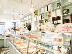 J'ai eu l'occasion d'aller goûter le brunch chez Sébastien Gaudard. Voici mon ressenti de ce voyage temporelle dans la tradition pâtissière française.
