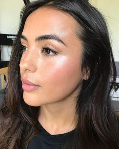 Working with this tanned beauty Katya Sanchez again today Using Bobbi Brown Foun. - Make Up 2019 Natural Summer Makeup, Natural Everyday Makeup, Natural Makeup Looks, Simple Makeup, Bobbi Brown Makeup Looks, Beauty Make-up, Beauty Skin, Beauty Hacks, Hair Beauty