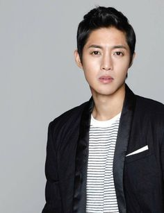 Kim Hyun Joong to hold urgent press conference concerning ex-girlfriend and paternity test http://www.allkpop.com/article/2015/09/kim-hyun-joong-to-hold-urgent-press-conference-tomorrow-concerning-ex-girlfriend-and-paternity-test…