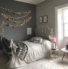 amazing design small bedroom decor ideas that are space saving 52 Bedroom Decor For Couples, Room Ideas Bedroom, Girls Bedroom, Decor Room, Bedrooms, Budget Home Decorating, Aesthetic Bedroom, Bedroom Styles, Dream Rooms