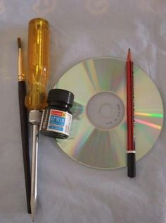 Picture of Things Needed to do scratch art on an old CD. Recycled Cds, Recycled Art Projects, Recycled Crafts, Craft Projects, Art Cd, Cd Project, Cd Diy, Cd Crafts, Scratch Art