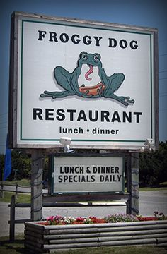 Froggy Dog Restaurant: Avon NC