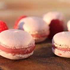 Recipe for macaroons stuffed with raspberry ganache. Heaven!