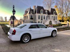 Onze Chrysler 300C trouwauto bij Kasteel Het Arendsslot in Zeeland.