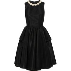 Simone Rocha Faux pearl-embellished scuba-mesh dress (12,520 MXN) ❤ liked on Polyvore featuring dresses, black, cocktail dresses, simone rocha, ruched waist dress, mesh dress, structured dress, fitted cocktail dresses and loose fit dress