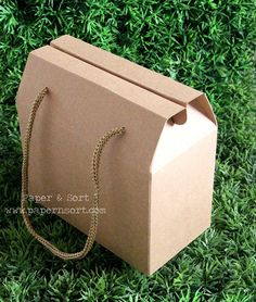 5 Small Vintage Style Gable Boxes/ Lunch Boxes - Kraft Brown Paper Box/ Bag with String Handles - Party/ Wedding Favor Box/ Bag