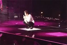 Harry is literally the strangest creature to walk the earth. {gif}