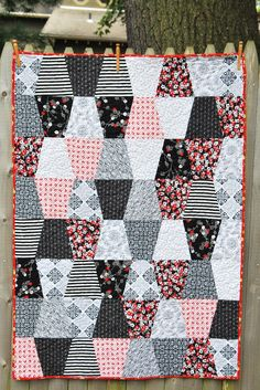 The Restitcherator: Ally's Tumbler Lap Quilt - long time UFOYou can find Lap quilts and more on our website.The Restitcherator: Ally's Tumbler Lap Quilt - long time UFO Lap Quilts, Scrappy Quilts, Mini Quilts, Quilt Blocks, Quilting Tutorials, Quilting Designs, Quilting Projects, Longarm Quilting, Machine Quilting