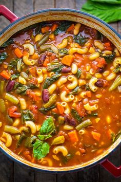 Loaded with flavor, this Italian Minestrone Soup is healthy, comforting, and delicious! recipes Italian Minestrone Soup - Baker by Nature Italian Minestrone Soup Recipe, Vegetarian Minestrone Soup, Olive Garden Minestrone Soup, Olive Garden Soups, Italian Soup Recipes, Crockpot Recipes, Cooking Recipes, Crock Pot Soup Recipes, Antipasto