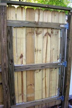 Astonishing Front yard fence landscaping ideas,Garden fence materials and Diy fence ideas. Building A Wooden Gate, Wooden Fence Gate, Fence Doors, Brick Fence, Front Yard Fence, Pallet Fence, Farm Fence, Diy Fence, Fence Landscaping